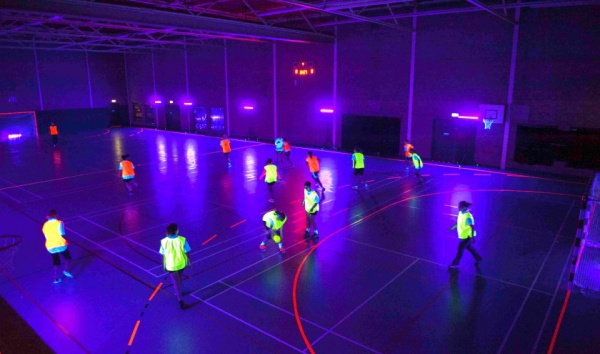 blacklight handbal